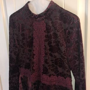 Adorable wine and lace top!